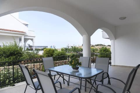 3-bed ground apartment with large exstend terrace