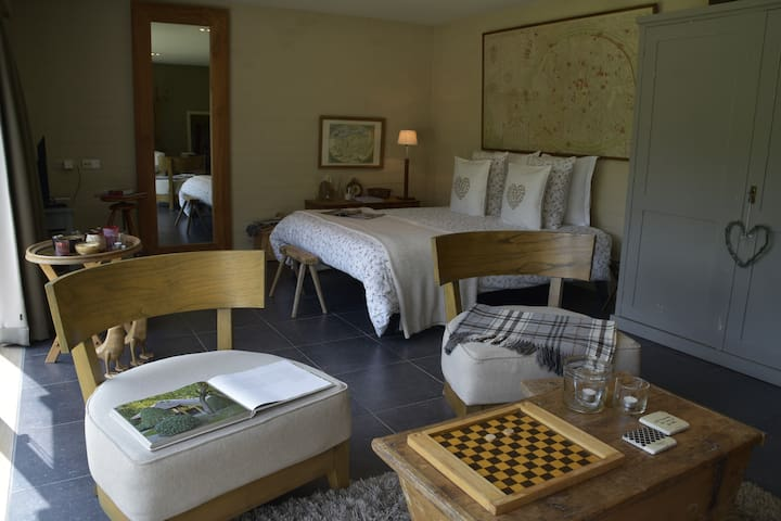 Private Charming & Romantic guesthouse & guestroom