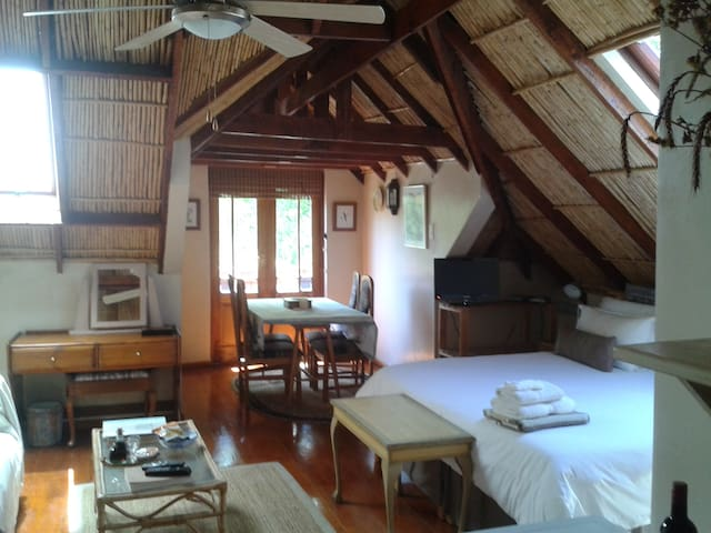 Glenhaven Guesthouse - Swiss Cottage