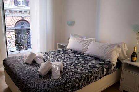 Suite in the center of Rome - Bed & Breakfast