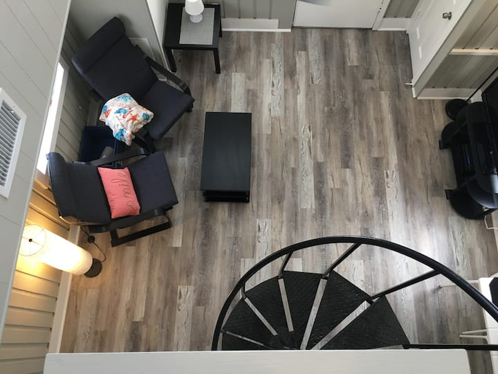 Fully Renovated Fun Home- 30 Minutes to Disney!
