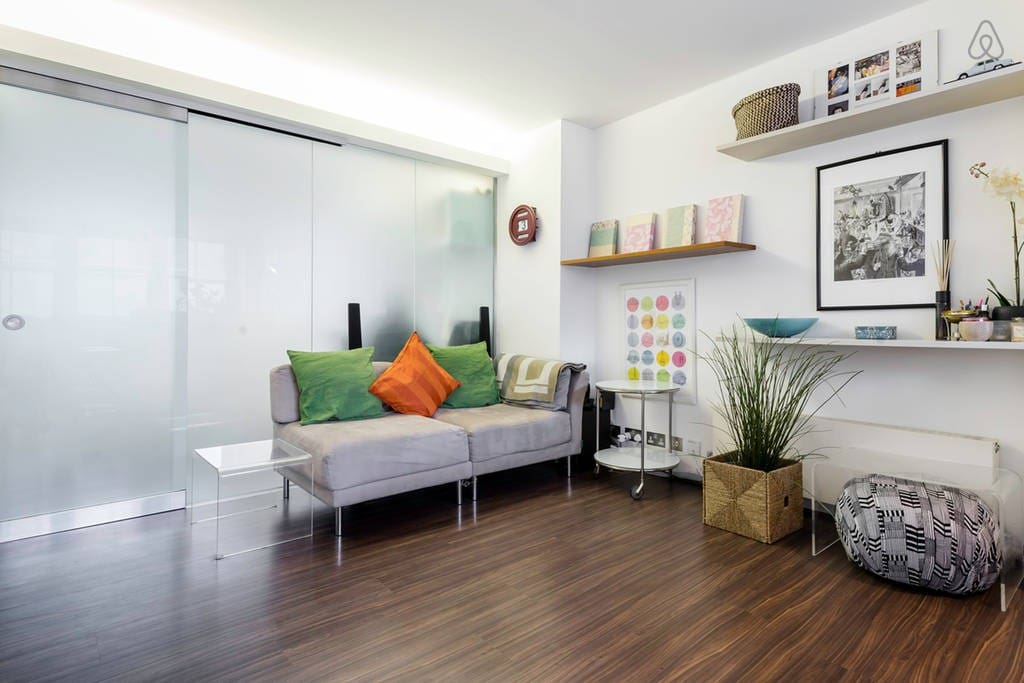 Colourful, bright and comfortable living room.