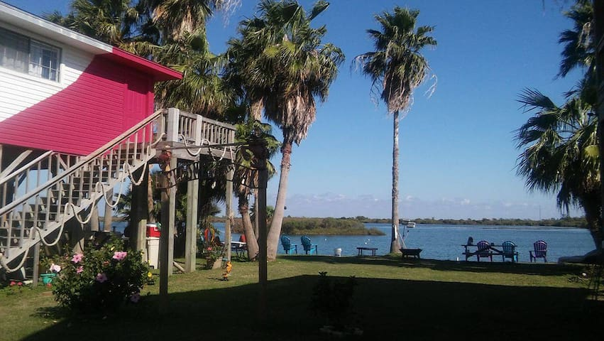Captains Quarters on the lake, and by the beach!