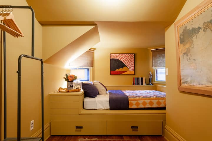 Funky Apartment & Bunk Room - Central KC