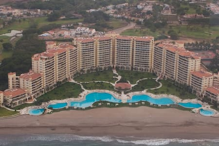 Beautiful Beachfront Apartment, Spacious Terrace! - Puerto Vallarta
