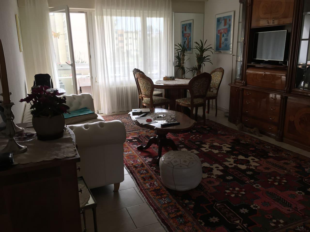 Sehr elegant eingerichtetes Wohnzimmer