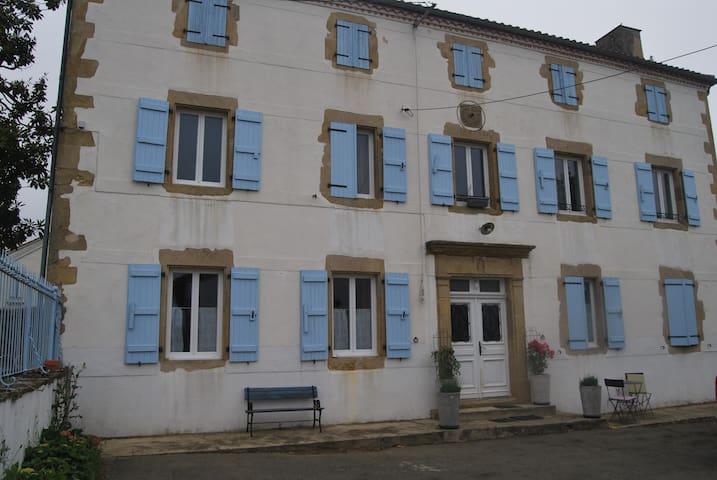 chambres d'hôtes LA PRADE - Miramont-Sensacq - Guesthouse