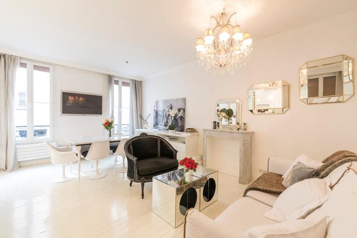 Stylish Paris Apartment - Canal Saint-Martin