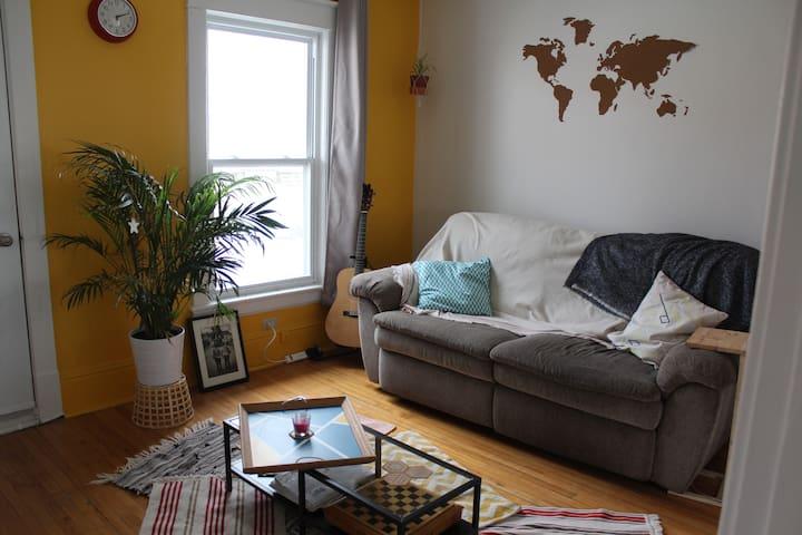 Bel appartement lumineux bien placé - Sherbrooke - Pis