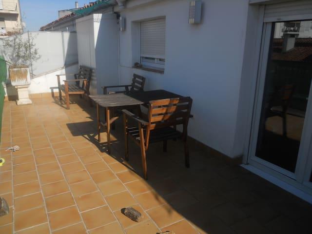ático económico para pareja, san Fermín - Pamplona - Apto. en complejo residencial