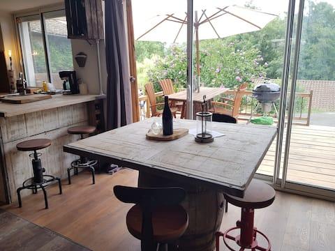 70km de Lyon- studio privé sous maison beaujolaise