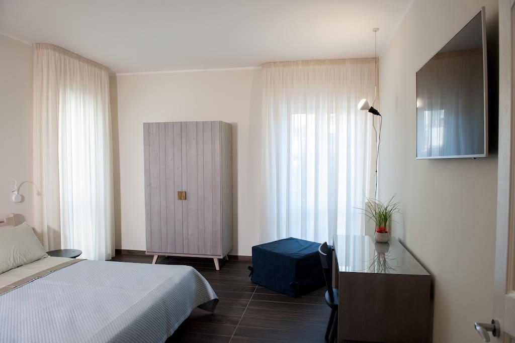 Camera matrimoniale con balcone Lampu