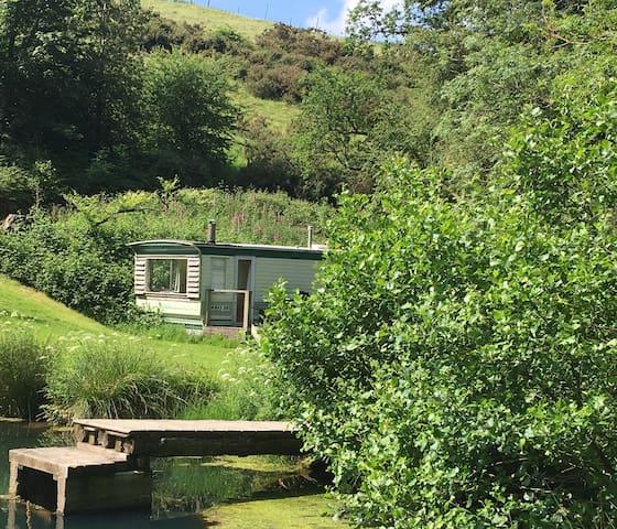 Nr Tiverton Unique Hideaway*Lake*2 acre*40% off 7n