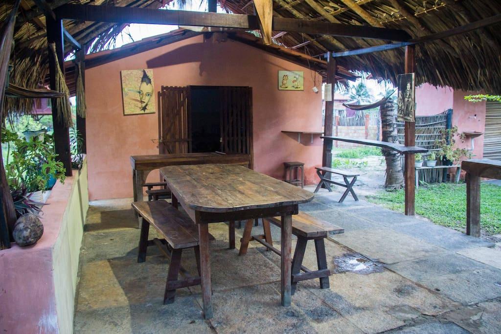 area de refeiçoes e cozinha comunitaria