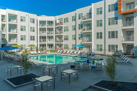 Luxury 2bd/2ba at Polaris Parkway - Apartament