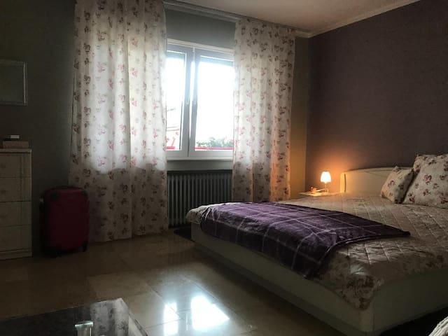 Romantisches Doppelzimmer für dein WE in Köln