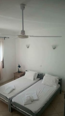 Cosy appartment with private bathroom and balcony - Κοκκάρι - House