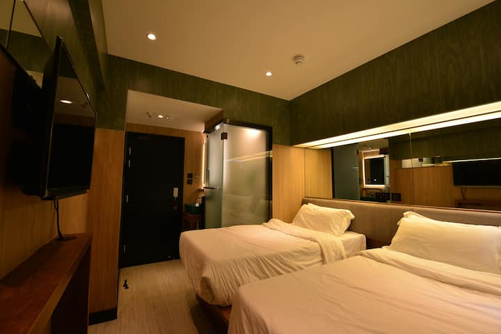 New Renovated Family/Twin Room@WestKowloon Station