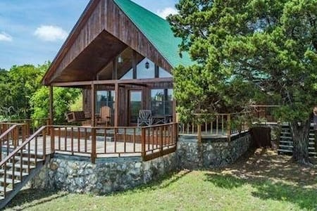 Outdoor Fun, Fire Pit, Lake Access 5 minute drive!