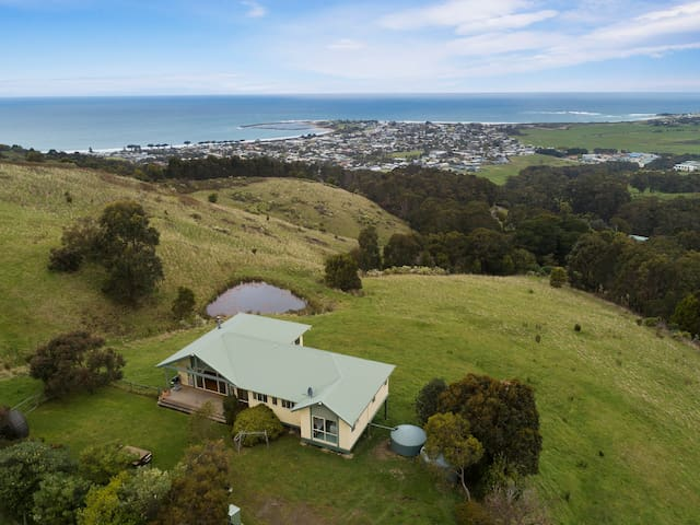 Acacia Brae with stunning views of Apollo Bay