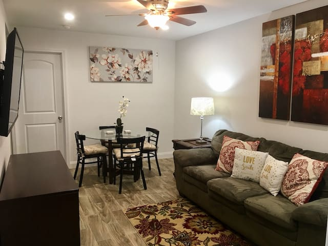 Private 1 bdrm apartment with kitchen in Kenner 💥