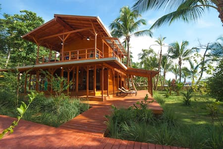 Luxury 2BR ❤️Ocean, Jungle, Sunsets, Walk to Surf
