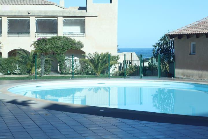 STUDIO BORD DE MER AVEC PISCINE - Sari-Solenzara - Apartment
