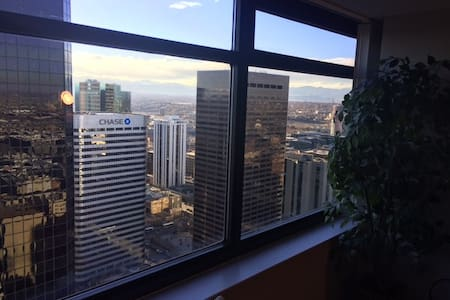 City Center High-Rise Retreat - Denver - Appartement