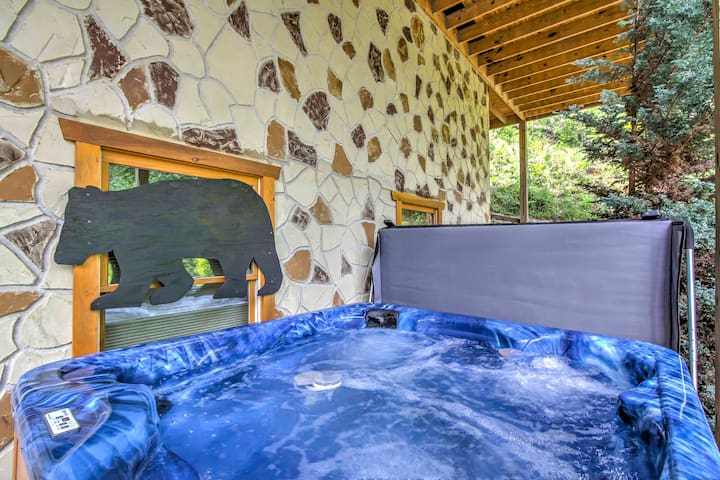 Relax at night in the hot tub which can accommodate all 6 guests.