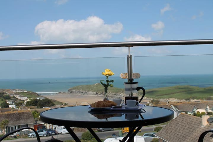 2 bed loft apartment with balcony. - Newquay - Leilighet
