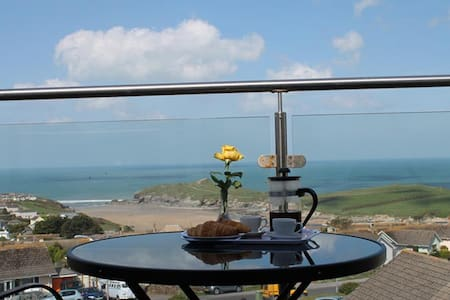 2 bed loft apartment with balcony. - Newquay - Apartamento
