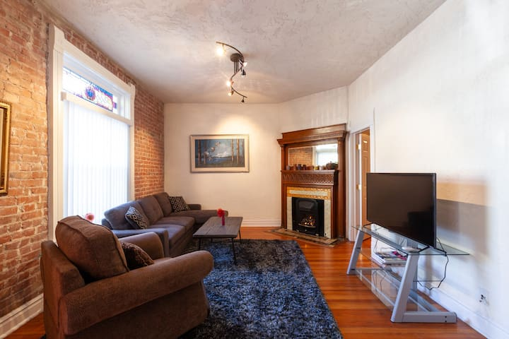 Historical gem apartment in the  LoHi by Downtown