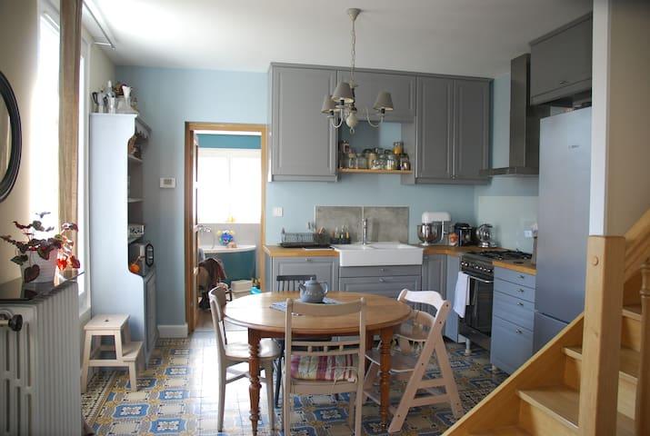 Maison familiale au pied des falaises d'Auvers