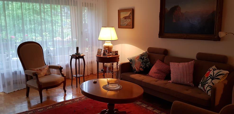 Ruhiges und charmantes  Appartement .