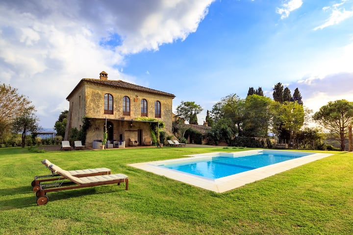 Il Fienile - Pool Villa with 4 Bdrs and Sauna