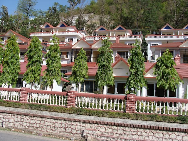 1 BHK Apartment with Hill View at Laxman Jhula
