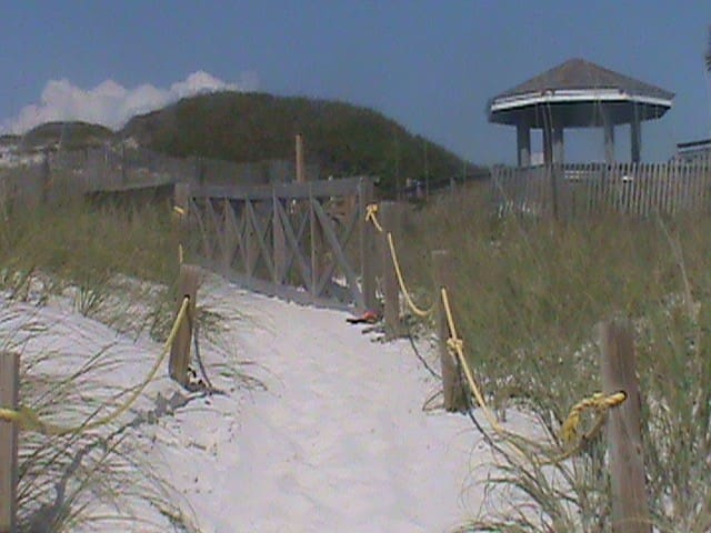 Gulf View 2BR/2BA in Barrier Dunes!  Pets OK!