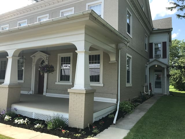 Charming apartment close to Hershey