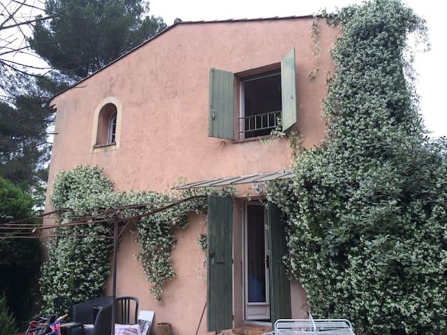 2 storey mas provencal with private garden - Mougins - House