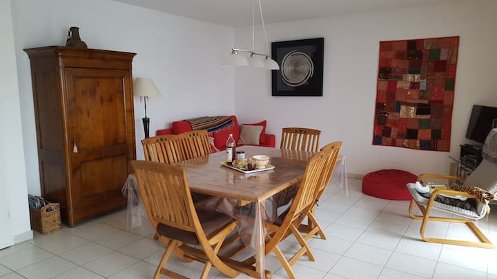 NICE FLAT 85M2 15MN FROM VILLAGE