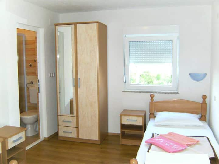 PANSION PERO ELEZ MEDJUGORJE ROOMS