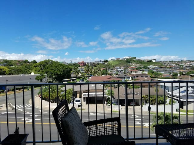 Best Value! Big 1 bed/1bath condo Remodeled&Light - Honolulu - Lägenhet