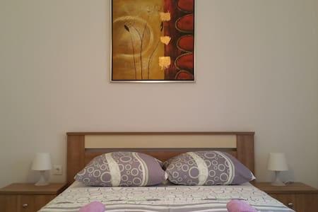 Beautiful flat for 2 in Novalja center - Novalja - Wohnung
