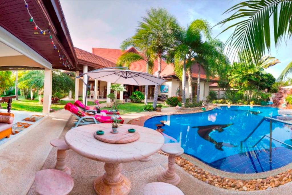 Stunning View of this Luxury Villa of the tropical Garden and Swimming pool.