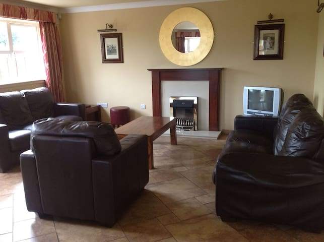 Abbey Court Lodges - 5 Bed Lodge, Sleeps 10