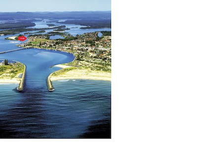 Terrace near beautiful lakes, never ending beaches - Tuncurry - Apartemen
