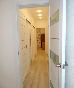 Light New 3 rooms apartment near Skolkovo sleeps 9