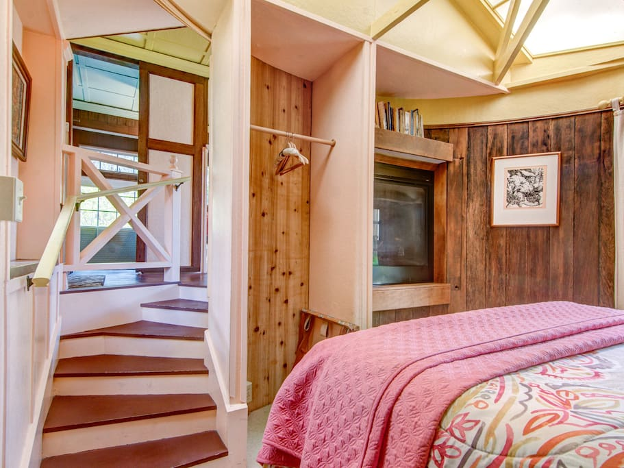 Cottage 44-Bedroom with wrap around stairs