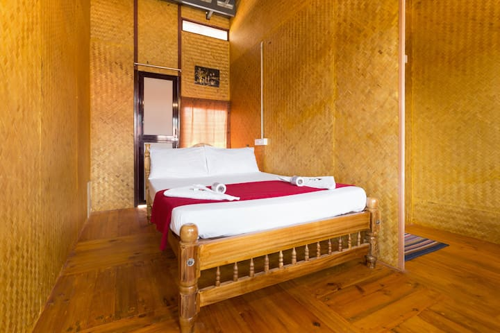 Bamboo Hut Double Bed & Sea View Upper Deck