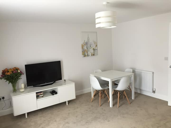 2 bed End terrace house in quiet location.